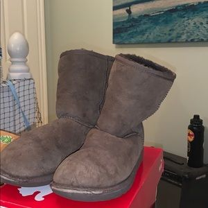 Brown Uggs Size 4 Kids